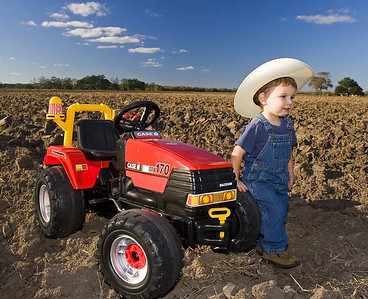 Anthony Tractor sRGB