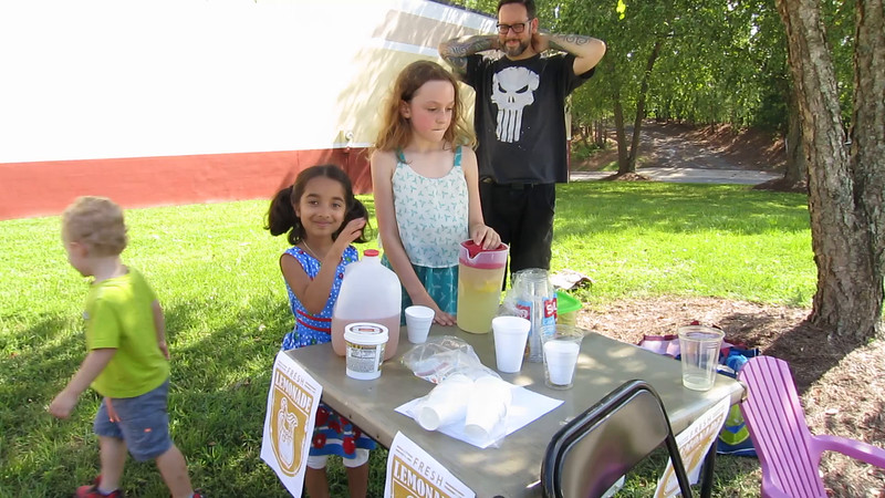 00aFavorite 20160806 (1617) 7-year-old Anuragini - lemonade stand w Julia (1st for either)