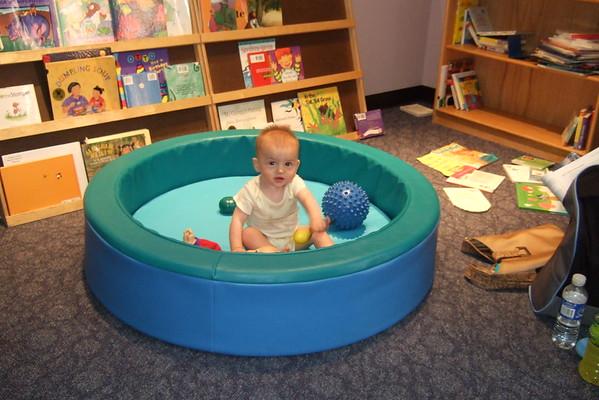 Book-pool.