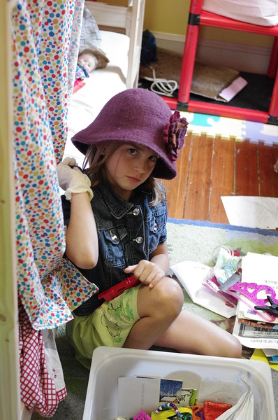 Anya and hat.
