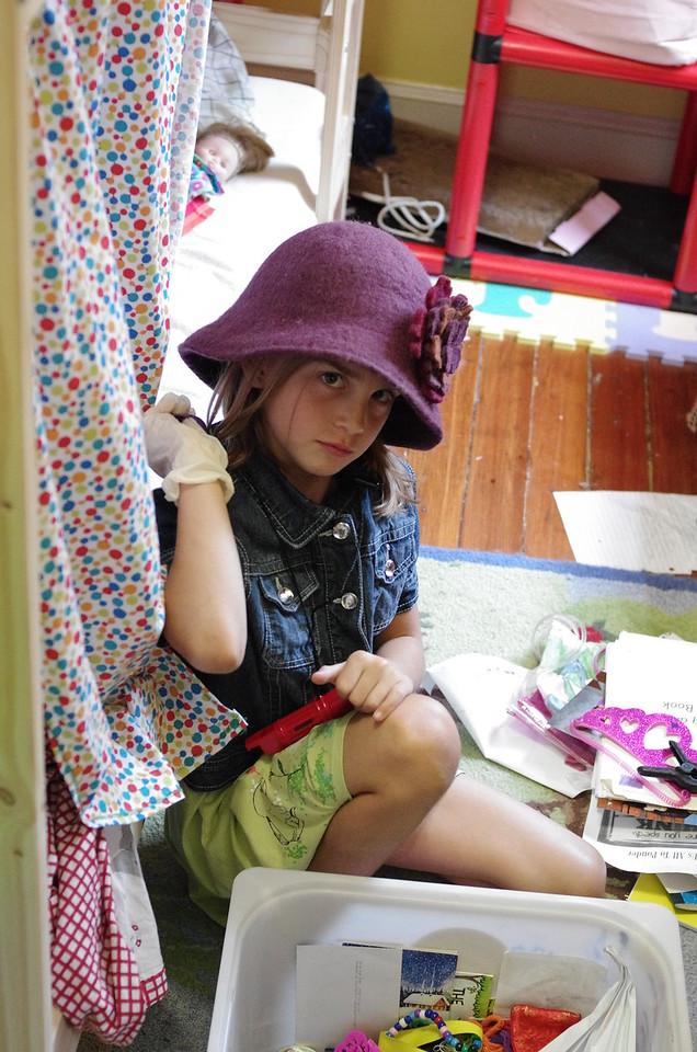 Anya and hat.
