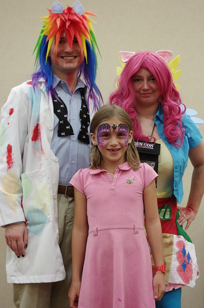 Rainbow Dash and Pinkie Pie.
