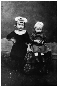 Apa's mother Mancika (left) and her younger sister Ica (right)