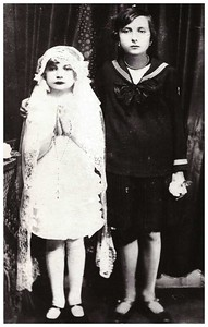 Ica (left) Apa's mother Mancika (right)