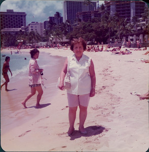 1975_MD_Hawaii0000019A