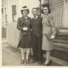 EvaFriendMarie1942a