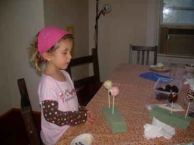Daniela's birthday cake pops 15.9.12