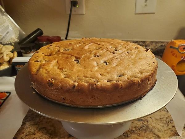 Mirranda's Royal Guggy Cake
