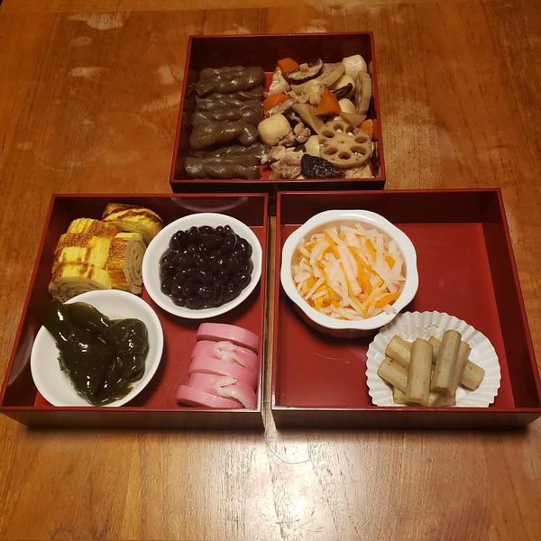 2020/01/01: Chiyoko's home made new year Osechi Ryori.