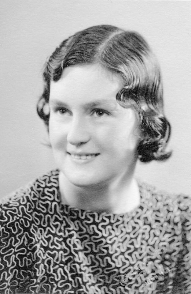 Molly, Christmas 1939