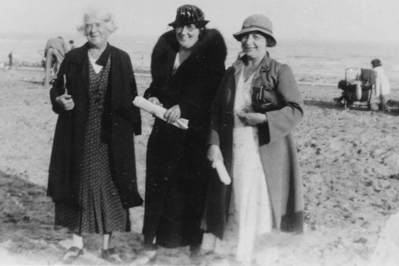 Audrey's Grand Mother (Frank's Mum), ?, Emily Wright