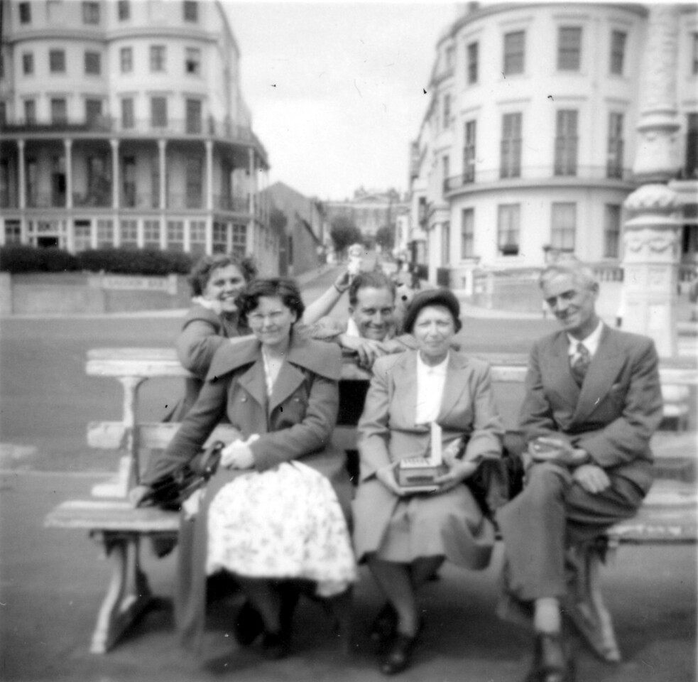 Betty Wright, Frank Wright, Margaret Wright, Nan & Grandad Wright