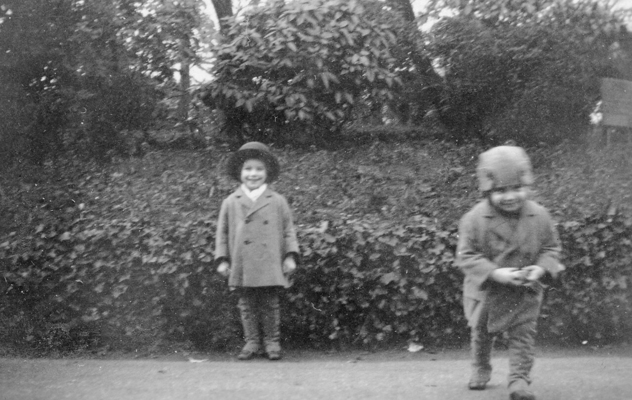 Uncle Frank & Uncle John (1927)