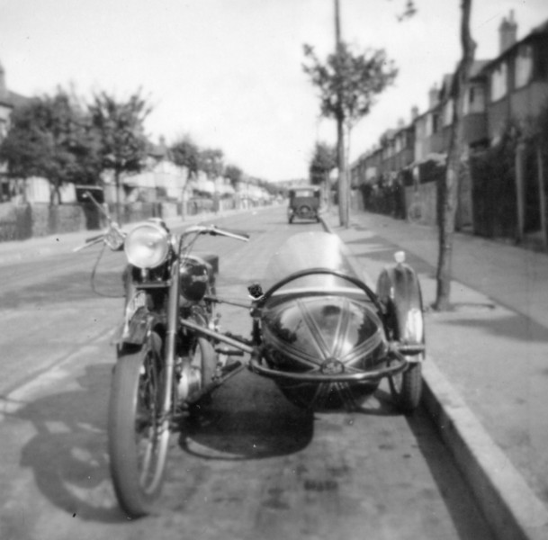 Uncle John's Bike, Windermere Road (before cars)