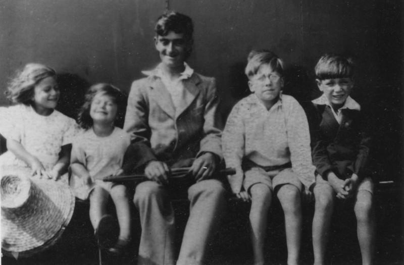 Daphne, Audrey, Grandad Frank, Frank & John