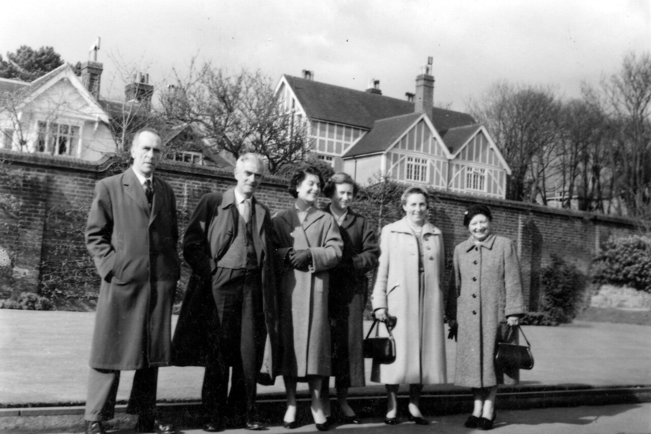 Grandad (Frank Wright) at convalescent home St Leonards on Sea, with Audrey, Daphne, Nan (Emily Wright) + friends