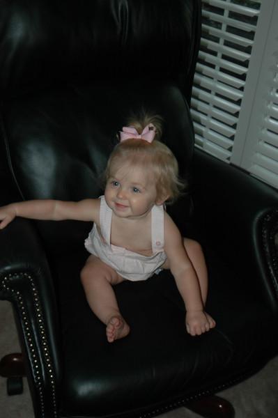 I sure love to spin in Grand Dad's chair, weeeeeeeee!!