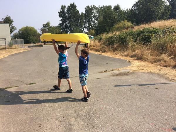 Kiefer & Kol go kayaking