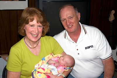 Aunt Eileen & Uncle Gene visit Sammy & Addie