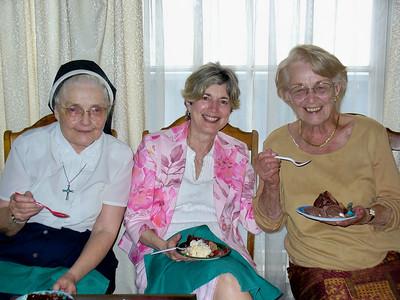 Aunt Pudgy, Maura Dwyer, mom