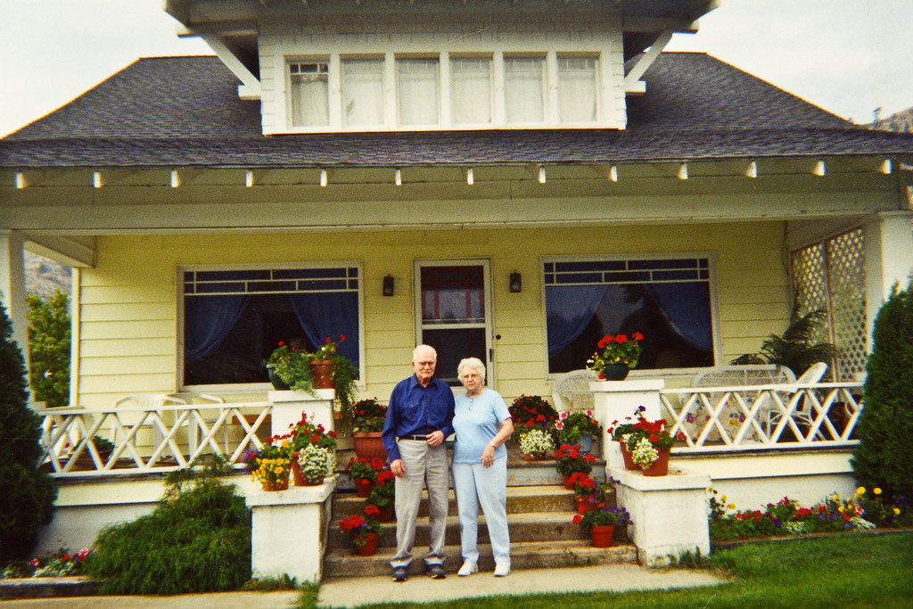 Beths old House sold to Les and Anna Mae Cannon