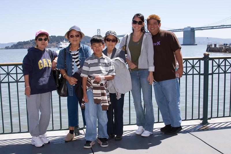Mom, Auntie Yvonne, Andrew, Auntie Bea, Chrystin, and Darryl
