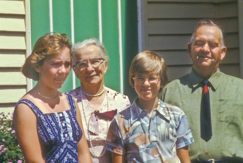 Ellen & Brent in front of Violet (Jorgensen) Larsen, Grandma Esther's first cousin & Clifford