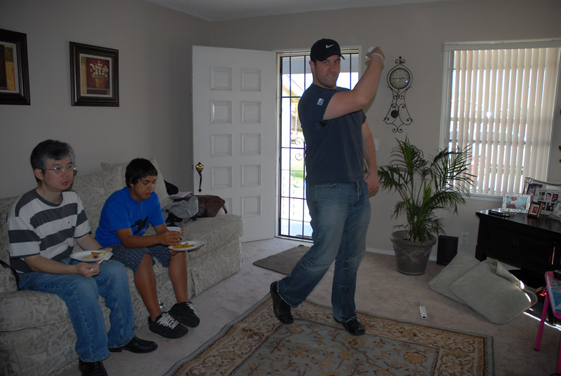 jeremy stern getting his wii on with tiger woods