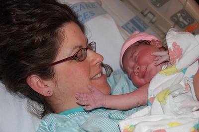 5:01 am Hannah arrives!
