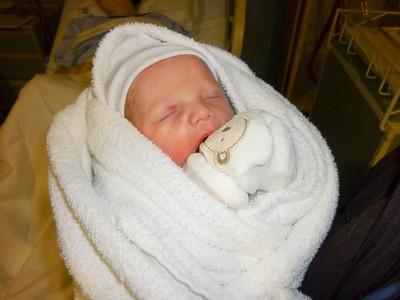 2010 12 23-Baby Graham 006