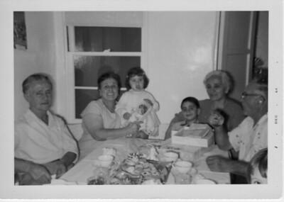 Left to right: Filippo Battaglia, Dorotea Battaglia, Dorothy Battaglia, Phil Battaglia, Margherita Balistreri, Dominico Balistreri.