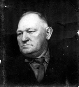 Muad Harmond's (Beaty) father William Harmond.