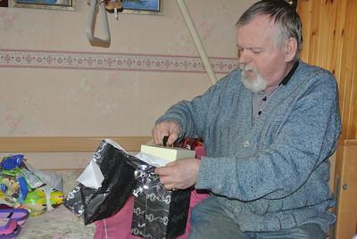 Swoi kreeg ook nog pakjes voor zijn verjaardag!...