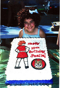Joelle turns 10 during Annie 2000 thanks Susan for the cake!!!