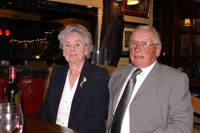 Auntie Daph 80th Dec 2005 001
