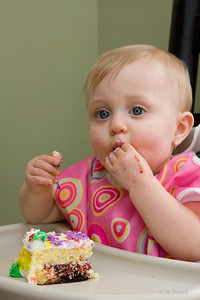 this cake tastes like fingers