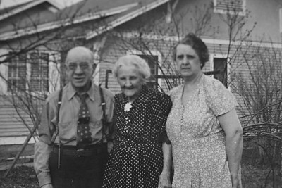 Joe, Nellie, and Bessie Bledden