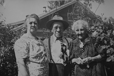 Bessie, Joe and Nellie Bledden