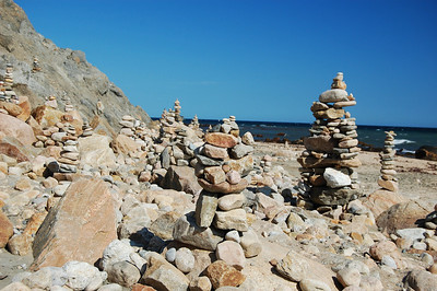 Lots of cairns!