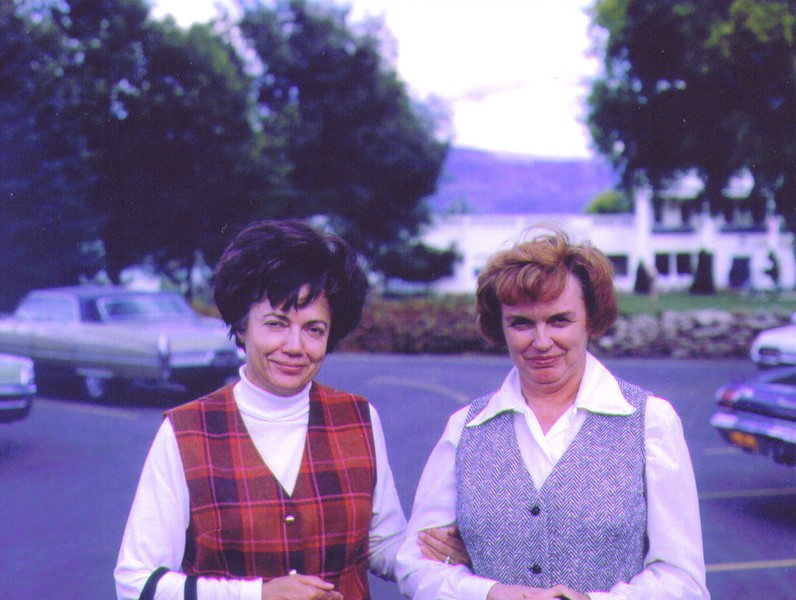 Bonnie & Bette at The Homestead  002