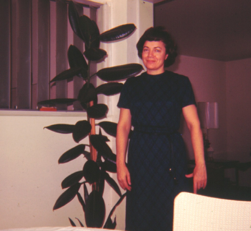 Bonnie D  Eldredge at Her Mother's,