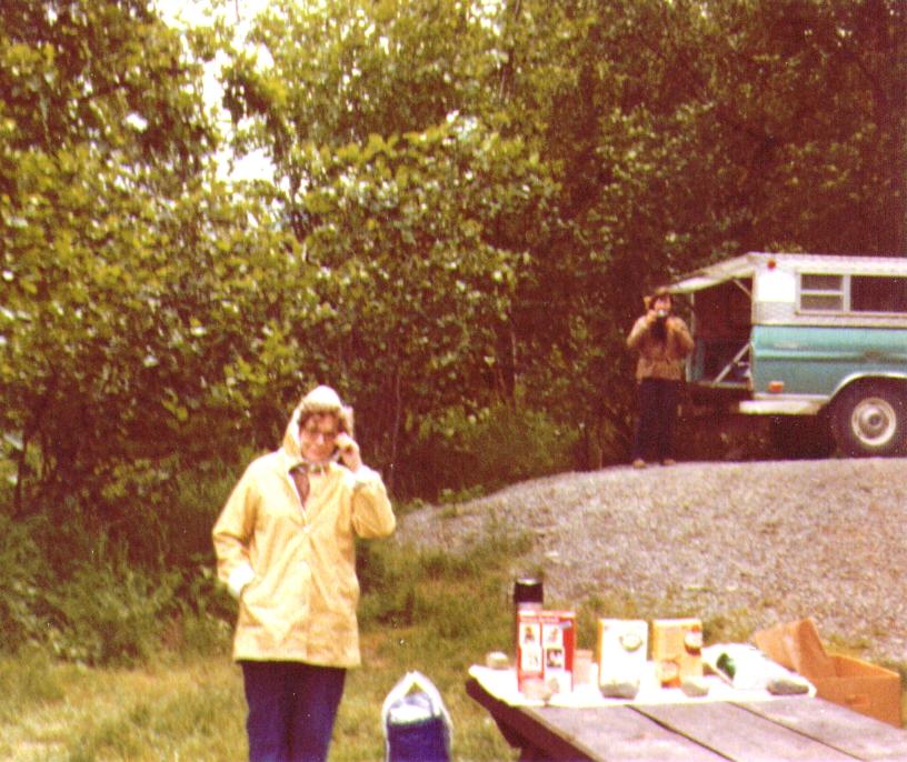 Bonni & Connie, Picnic in AK, 08-1980   4-26-2005 9-16-58 PM 816x686
