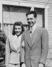 Bonnie Decker & Wayne Eldredge, 1946, at Higgins home,   8-5-2005 5-39-25 - Copy