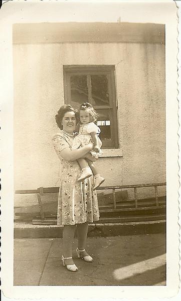 1943<br /> Alice & Diana