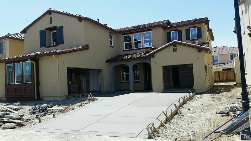 May 2 - We have a driveway!