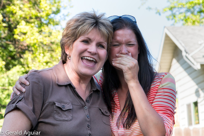 Jenny and Lorena having a good laugh.