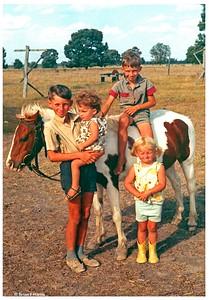 Bruce & Pat Ison's children at Yeronga Goombi