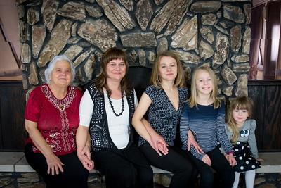 i17s Caitlyn Family 12-17 (29)