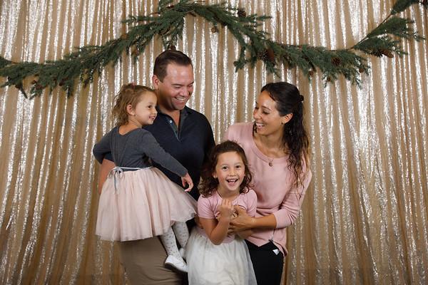 3C-2019-Christmas-Portraits-019-0243