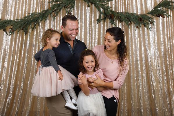 3C-2019-Christmas-Portraits-020-0244